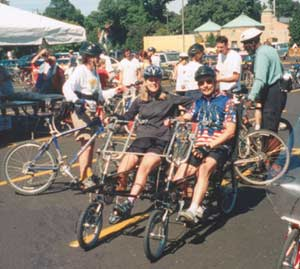 St. Paul Classic 2003 - Kristi and Dan take the 31 mile ride on their EZ-1 Quadribent.